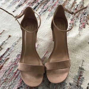Nude Block Sandel Heels